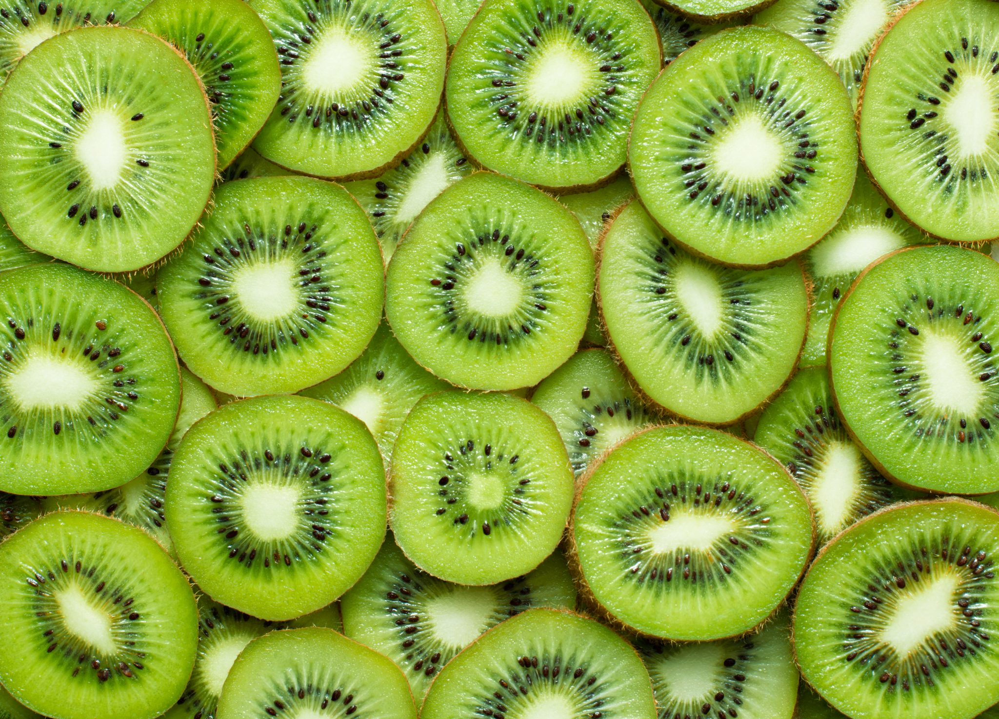 How Long Does Kiwi Last? Can It Go Bad?